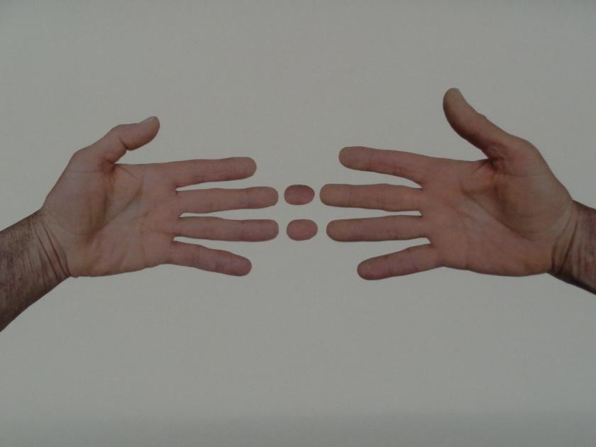 Hands@002