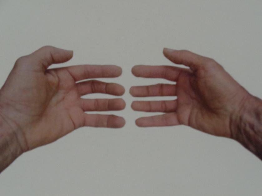 Hands002